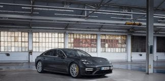 Z26414338q,porsche Panamera Turbo S E Hybrid Executive.jpg