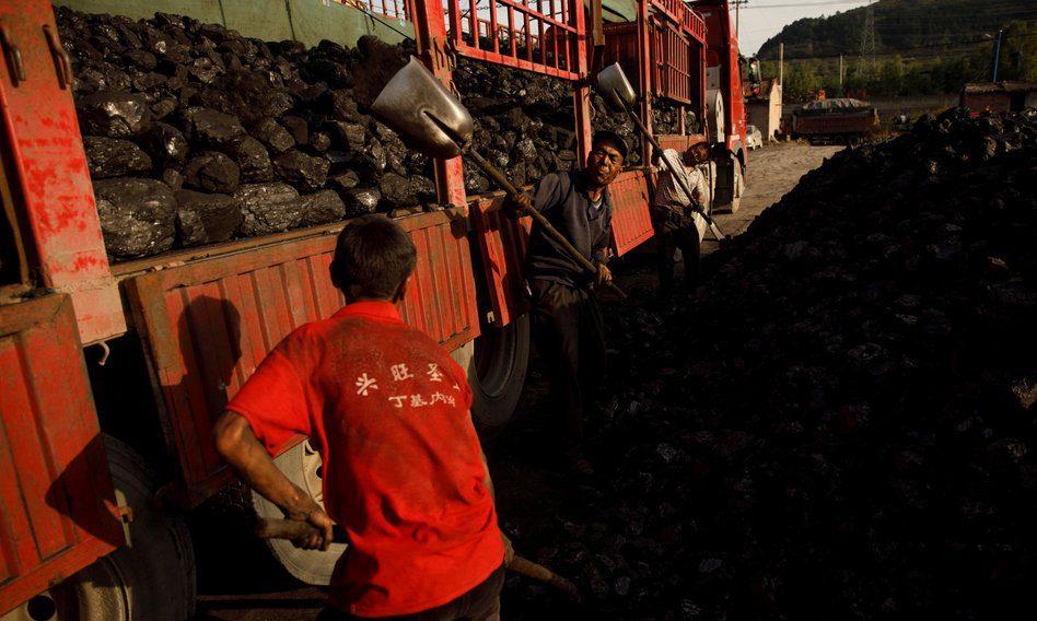 Chiny: chłodna pogoda utrzymuje wysokie ceny węgla, braki energii wzmagają inflację